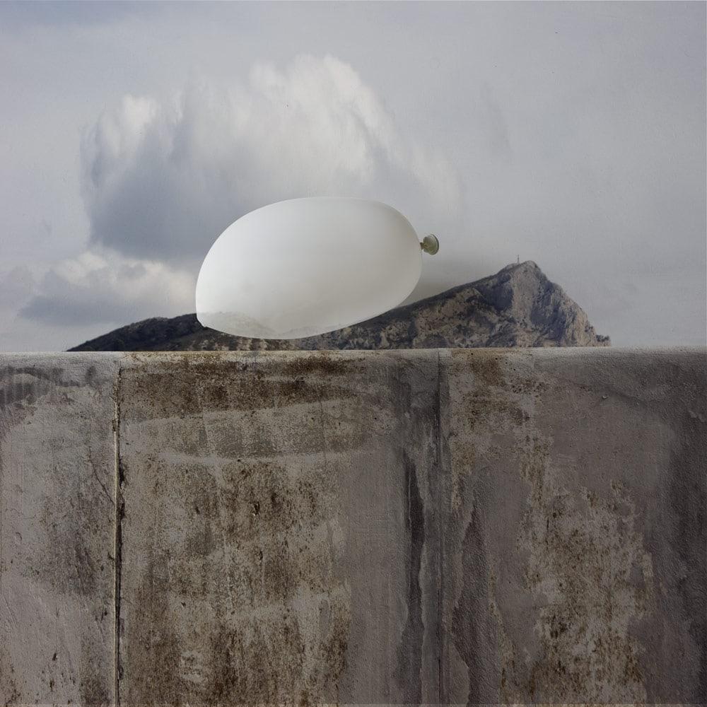 Ballon blanc sur Sainte- Victoire